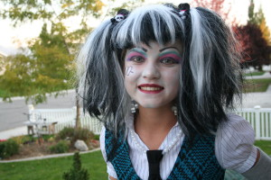 Frankie Stein Monster High Halloween Costume Idea